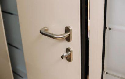 Une porte blindée peut-elle se bloquer ?